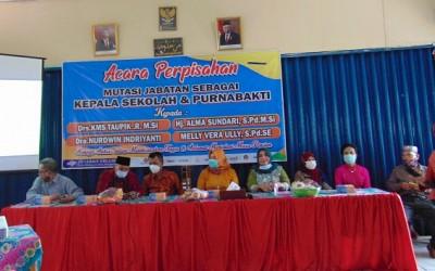 Kegiatan Perpisahan Guru Menjadi Kepala Sekolah dan Guru Purnabakti